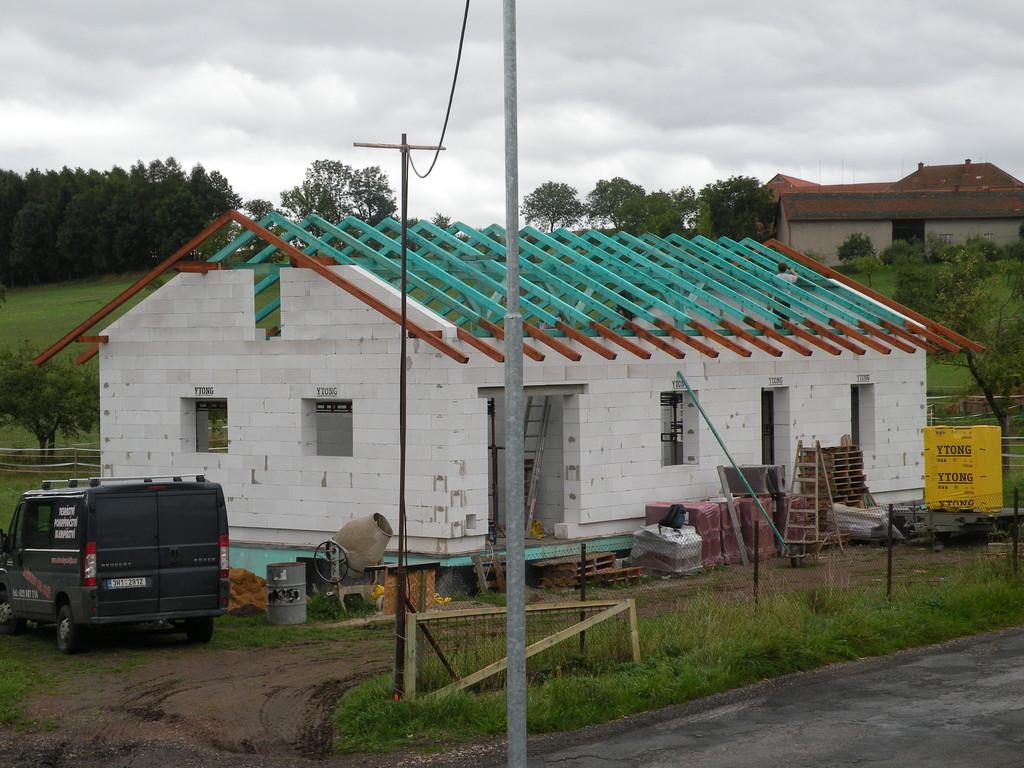 RD z Ytong cihel – Střechy Matějka